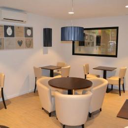 l 39 instant dax 40 partenaire un comit pour moi. Black Bedroom Furniture Sets. Home Design Ideas