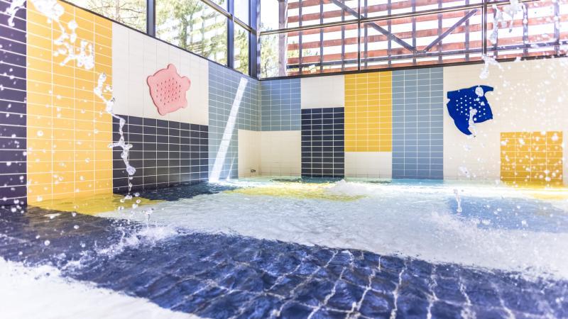 piscine de la teste de buch 33 partenaire un comit pour moi. Black Bedroom Furniture Sets. Home Design Ideas
